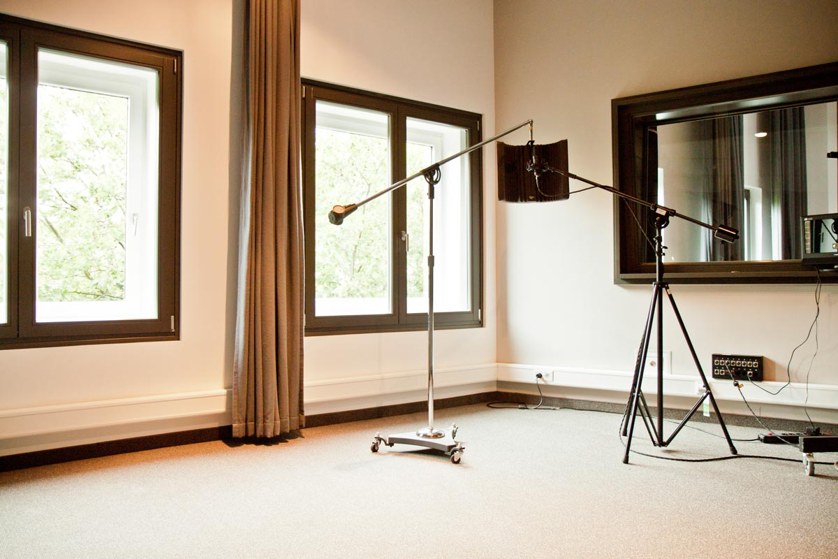 1000 images about soundproofing a home studio on pinterest for Soundproofing a room for music